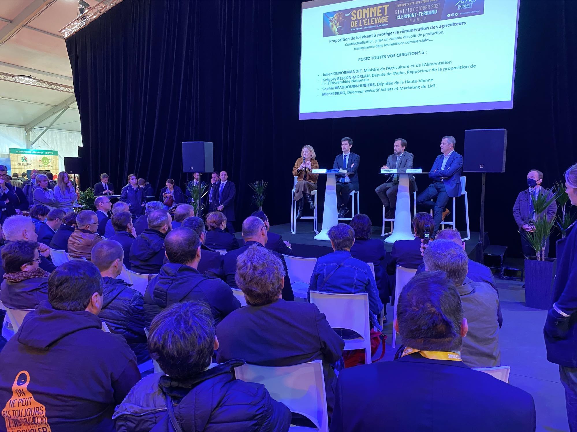 Outre le ministre, les députés Sophie Beaudoin-Hubière et Grégory Besson-Moreau, ainsi que Michel Biero, directeur exécutif achats et marketing de Lidl, ont répondu aux questions des éleveurs